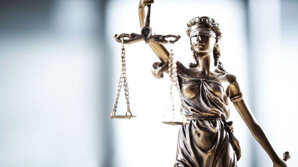 Статуя богини правосудия Фемиды с весами - Sputnik France