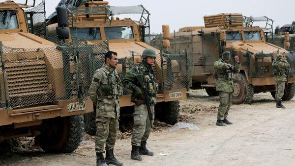 Des forces turques déployées au nord-est d'Afrine, en Syrie - Sputnik France