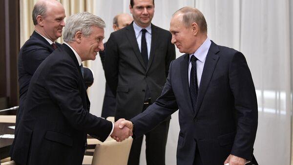 Президент РФ В. Путин встретился с представителями экономического совета Франко-российской ТПП - Sputnik France