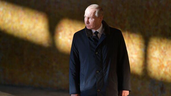 Vladimir Poutine au Musée-réserve «Bataille de Stalingrad» dans la ville de Volgograd - Sputnik France