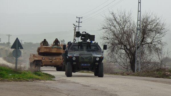 Des chars turcs à Afrine - Sputnik France