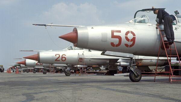 Истребители МИГ-21 на аэродроме - Sputnik France