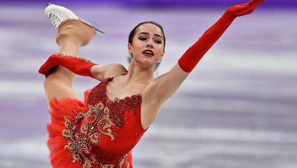 Российская фигуристка Алина Загитова выступает в произвольной программе женского одиночного катания командных соревнований по фигурному катанию на XXIII зимних Олимпийских играх - Sputnik France