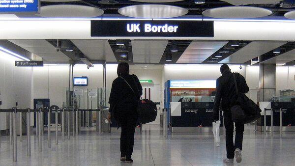 La frontière britannique à l'aéroport d'Heathrow - Sputnik France