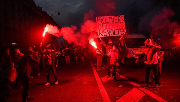Демонстрация в Париже против политики Эммануэля Макрона - Sputnik France