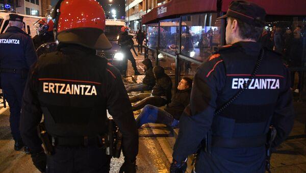 La police à Bilbao lors des heurts entre supporters - Sputnik France