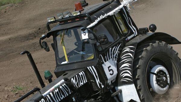 Une compétition pour tracteurs (image d'illustration) - Sputnik France
