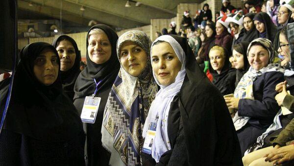 Les Iraniennes peuvent désormais accéder aux stades pour assister à des matchs sportifs - Sputnik France