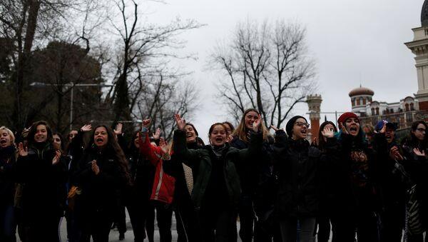 Une manifestation organisée à Madrid pendant la grève féministe générale en Espagne, 8 mars 2018 - Sputnik France