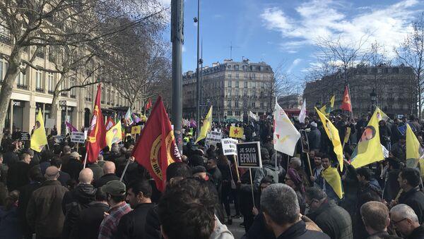 Une manifestation contre l'opération turque à Afrine organisée à Paris le 11 mars 2018 - Sputnik France