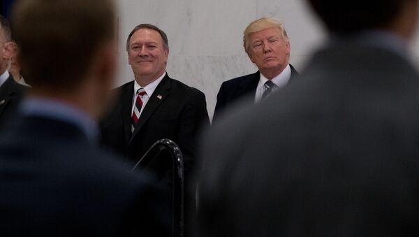 Donald Trump et Mike Pompeo - Sputnik France