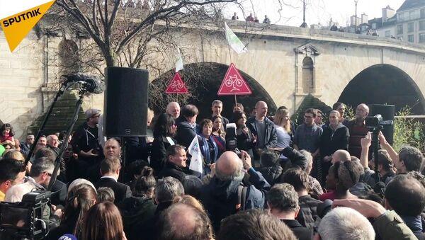 Voies sur berge, Hidalgo s'entête, des habitants la soutiennent - Sputnik France