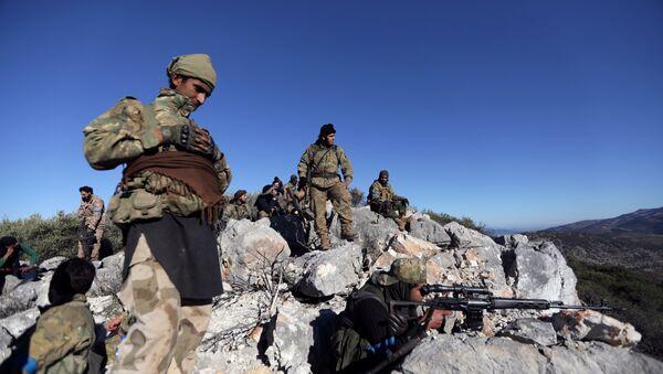 Les combattants de l'Armée syrienne libre (ASL) appuyée par l'armée turque aux environs d'Afrine - Sputnik France