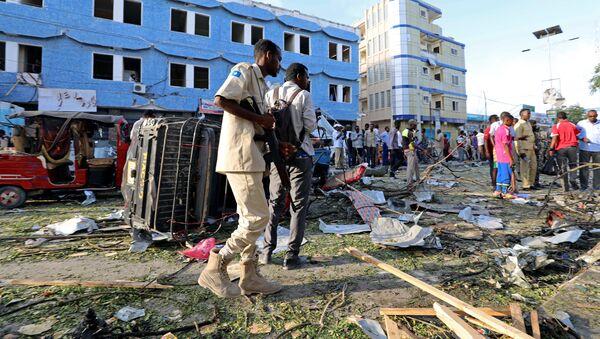 Une forte explosion retentit à proximité d'un hôtel à Mogadiscio, des victimes - Sputnik France