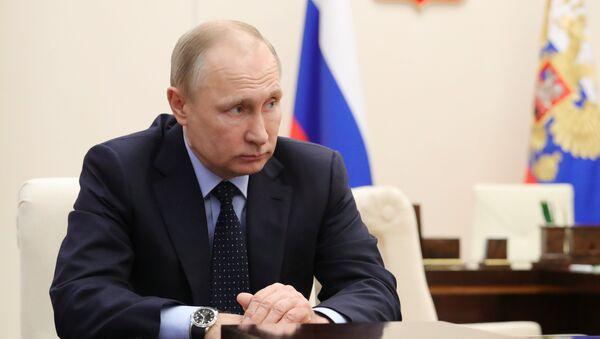 Vladimir Poutine lors d'une réunion consacré aux règlements des conséquences de la tragédie de Kemerovo - Sputnik France