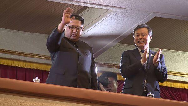 Kim Jong-un assiste à un concert d'artistes sud-coréens à Pyongyang - Sputnik France