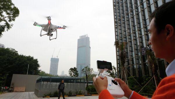Un drone volant à Shenzhen (image d'illustration) - Sputnik France