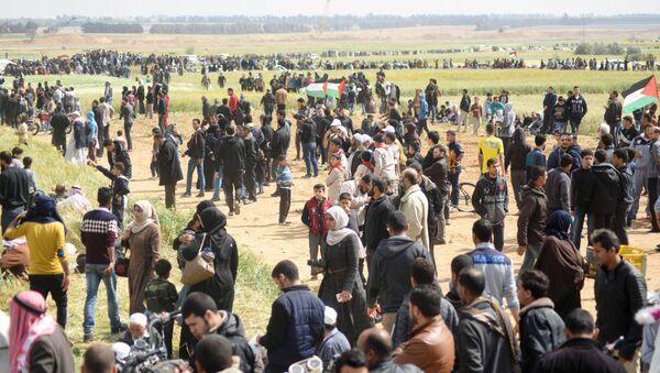 Des Palestiniens lors de l'action de protestation à la frontière de la Bande de Gaza et Israël (archives photo) - Sputnik France