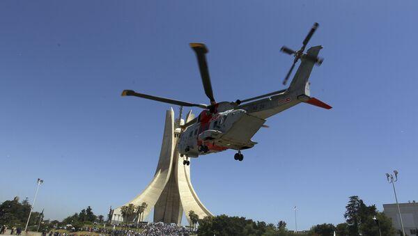 Un hélicoptère de l'armée algérieene - Sputnik France