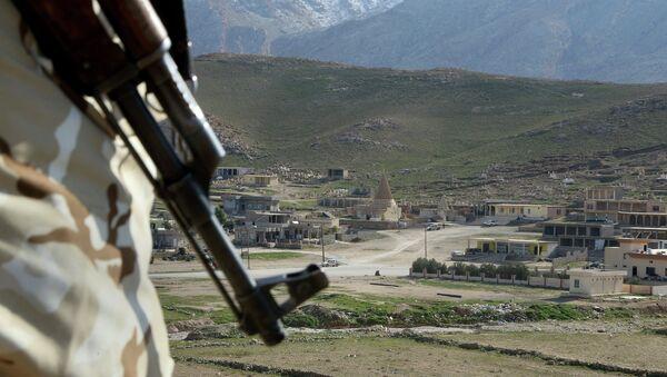 Région de Sinjar, qui s'étend de Mossoul à la Syrie, au sud de la frontière turque - Sputnik France