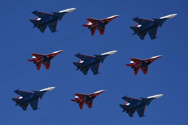 Répétition de la partie aérienne du défilé de la Victoire - Sputnik France