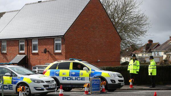 La police britannique près de la maison des Skripal à Salisbury - Sputnik France