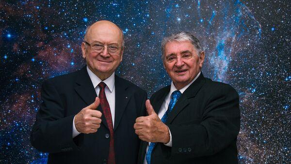 Oldřich Pelčák et Vladimír Remek - Sputnik France