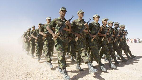 Des soldats du Front Polisario en parade - Sputnik France