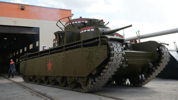 Un char T-35 avec cinq tourelles a été reconstitué dans l'Oural - Sputnik France