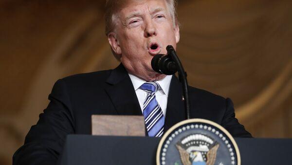 Donald Trump lors d'une conférence de presse avec Shinzo Abe - Sputnik France