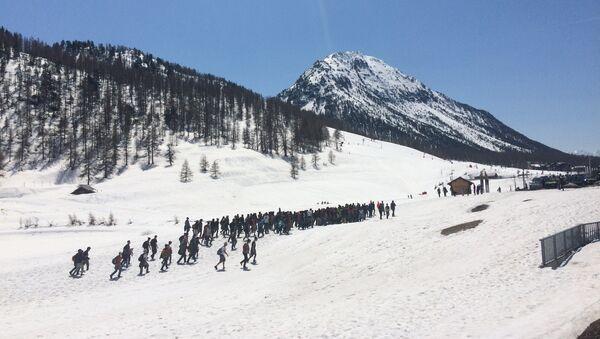 Samedi 21 avril, Génération identitaire bloquait le col de L'échelle, dans les Hautes Alpes - Sputnik France