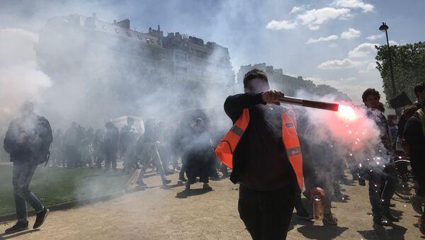 Manifestation de l'éducation nationale et des étudiants au côté des cheminots, 3 mai 2018 - Sputnik France