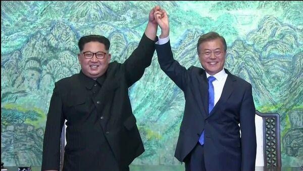 Rencontre entre le dirigeant nord-coréen Kim Jong-un et le Président sud-coréen Moon Jae-in - Sputnik France