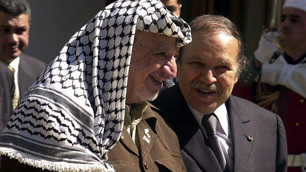 Abdelaziz Bouteflika et Yasser Arafat - Sputnik France
