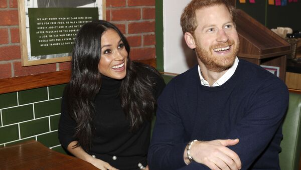 Britain's Prince Harry and Meghan Markle speak with patrons at the Social Bite in Edinburgh, Scotland, Tuesday, Feb. 13, 2018. - Sputnik France