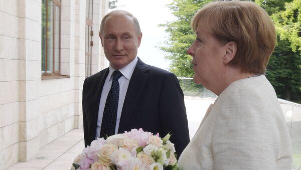 Le président Vladimir Poutine a rencontré la chancelière allemande Angela Merkel - Sputnik France