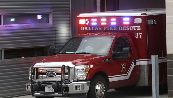 An ambulance pulls into the Dallas Fire-Rescue station 37 in Dallas, Wednesday, Oct. 1, 2014 - Sputnik France