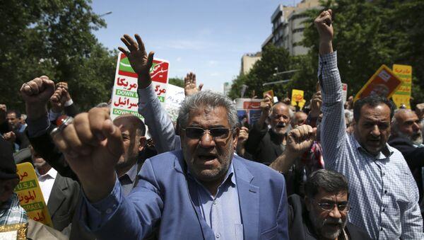 Les Iraniens dans la rue pour protester contre la décision de Donald Trump de se retirer de l'accord nucléaire - Sputnik France