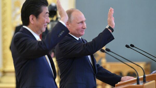 Shinzo Abe et Vladimir Poutine - Sputnik France