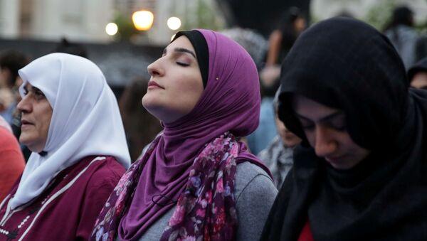 Ramadan, mois sacré de prières et de jeûne - Sputnik France