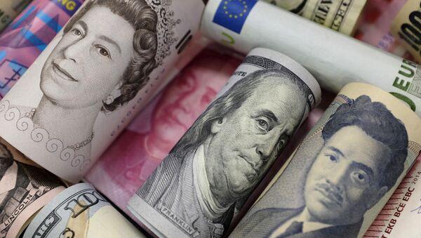 Euros, dollars de Hong Kong, dollars américains, yens japonais, livres sterling et yuans chinois - Sputnik France