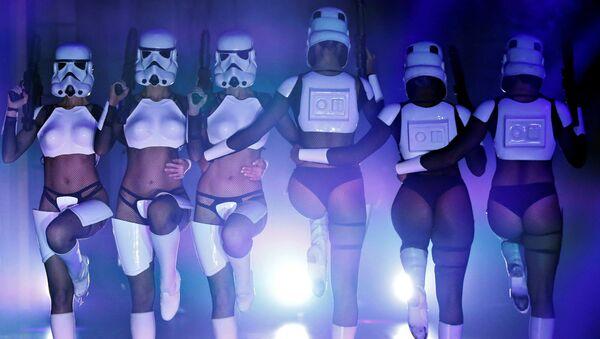 Un show burlesque inspiré de la Guerre des étoiles à Los Angeles - Sputnik France