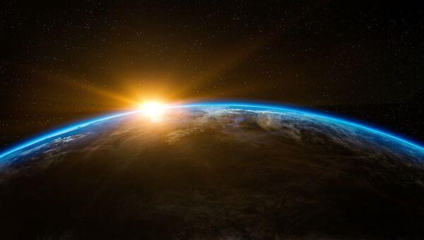 Sunrise in outer space - Sputnik France