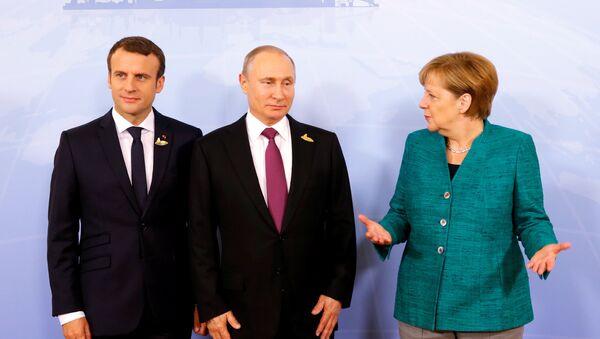 Emmanuel Macron, Vladimir Poutine et Angela Merkel - Sputnik France
