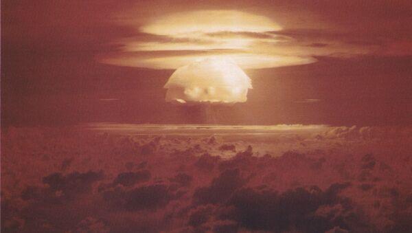 Облако, образовавшееся после взрыва американского термоядерного взрывного устройства «Кастл Браво» на атолле Бикини, 1954 - Sputnik France