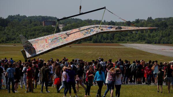 Le plus grand avion en papier - Sputnik France