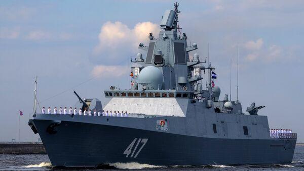 Фрегат Адмирал Горшков во время генеральной репетиции военно-морского парада ко дню ВМФ в Кронштадте. - Sputnik France