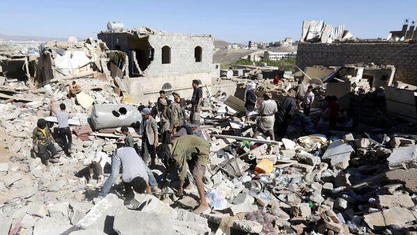 Des maisons détruites au Yémen par les frappes de la coalition dirigée par l'Arabie Saoudite - Sputnik France