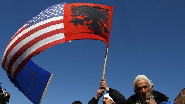 Les USA ont opté pour le président du Kosovo parce qu'il est facile de «le faire chanter» - Sputnik France