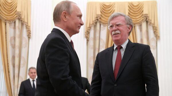La rencontre entre Vladimir Poutine et John Bolton, le 27 juin 2018 - Sputnik France